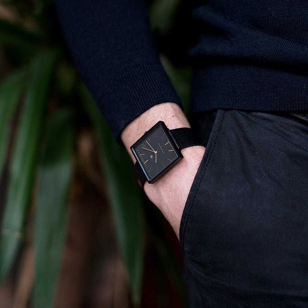 Часы Newgate 'Cubeline' черные