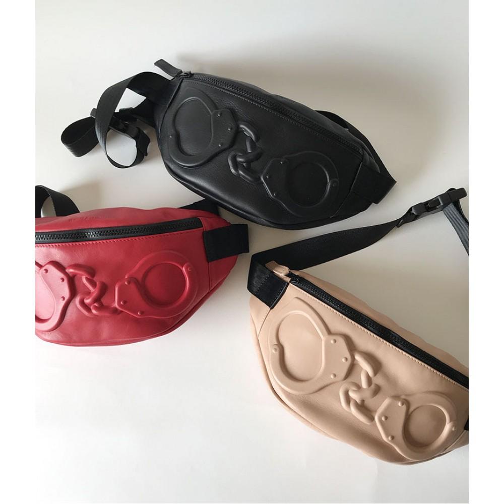 Поясная сумка Vlieger & Vandam c наручниками пудренная