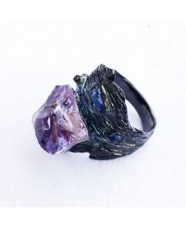 Кольцо Alchemica «Кора» с аметистом черное