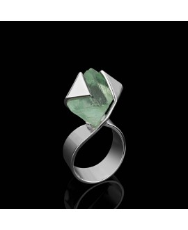 Кольцо Alchemica «Мебиус 2» с флюоритом